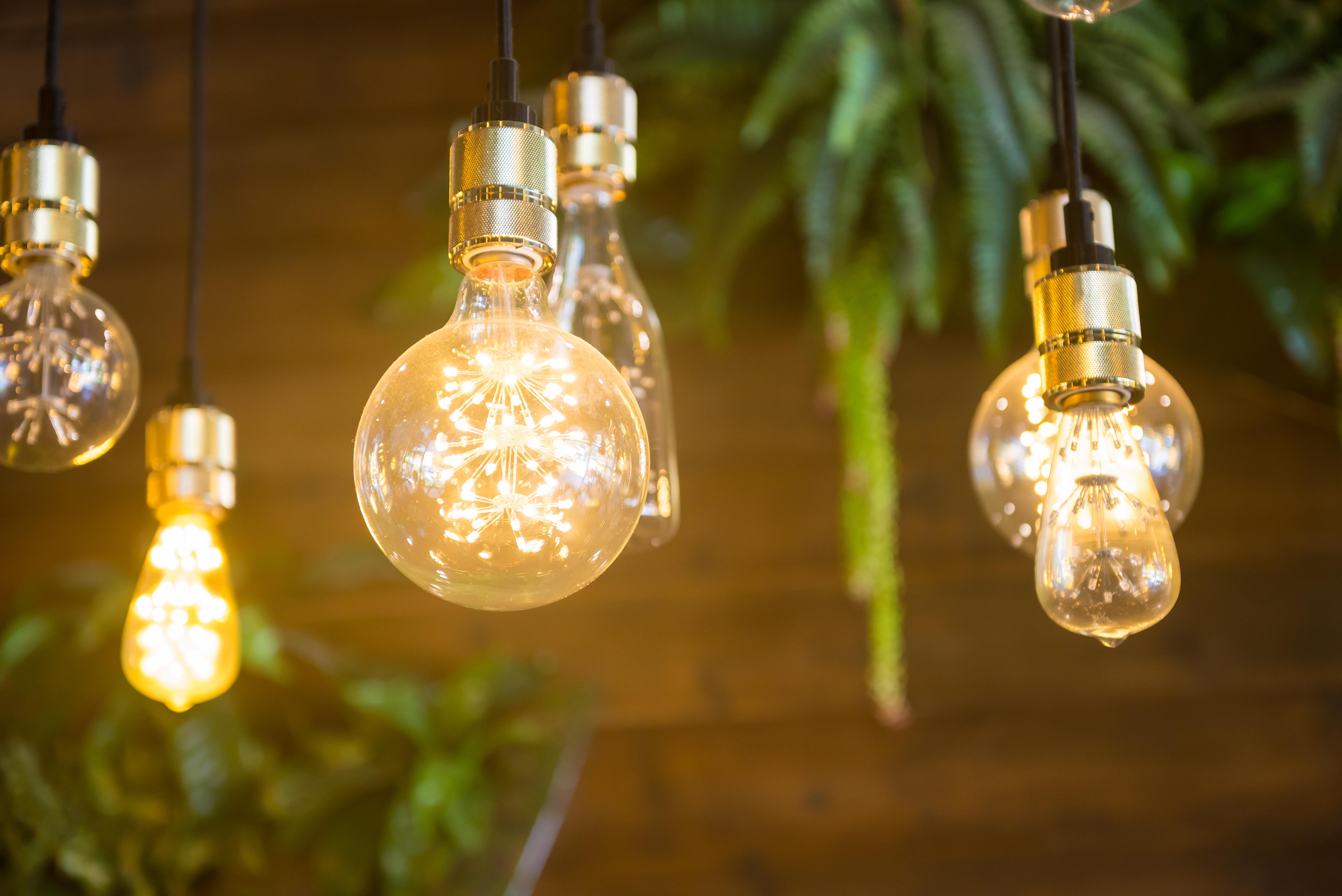 reccessed light bulbs